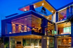 o-GLASS-HOUSE-facebook